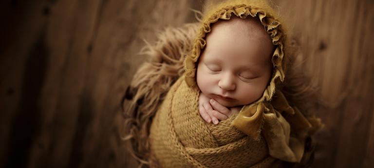 Atelier nordbrise Fine Art Fotografie | Newborn Baby Kind Familie Babybauch Newborn