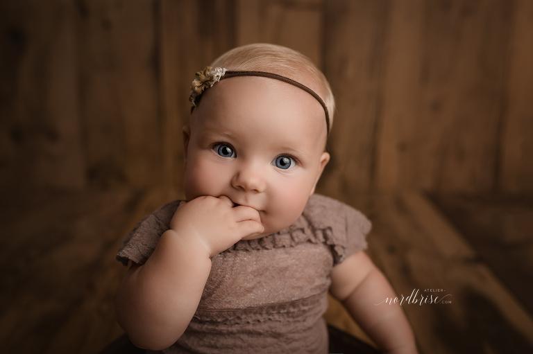 Meilenstein Babyshooting in Nöchling | Atelier nordbrise Fotografie | Natürliche einzigartige Babyfotos im Raum Melk | Neugeborenenfotograf Babyfotograf Familienfotograf Sitzkind